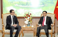 Deputy PM: Vietnam wants investment in airport infrastructure