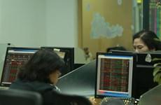 Major stocks, especially ROS, lift VN-Index