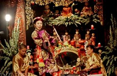 Van singing festival protects cultural heritage