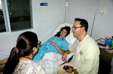 Doctors save British visitor in serious traffic accident in Da Nang