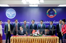 Vietnam-Laos ICT cooperation forum held in Vientiane