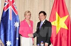 Deputy PM Pham Binh Minh receives Australian FM Julie Bishop