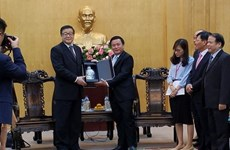 Vietnam, China strengthen exchange of political theories