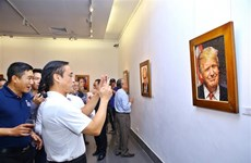 Mosaic ceramic paintings of APEC 2017 leaders displayed in Hanoi