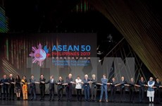 EAS leaders reaffirm importance of keeping peace, stability in East Sea