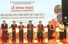 Vietnam Local Specialties Fair 2017 opens
