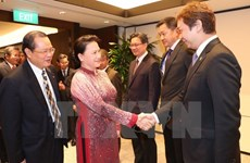 Top legislator hails Singaporean firms' cooperation initiatives