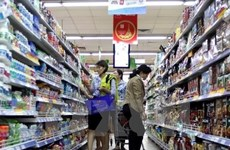 Retail sales, services earn 160 billion USD