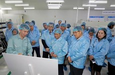 Samsung seeks more Vietnamese part suppliers