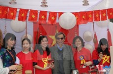 Vietnam participates in charity fair in India