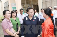 NA Chairwoman Nguyen Thi Kim Ngan meets Can Tho voters