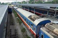 Thong Nhat Railway adds new carriages