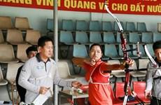 Korean experts train Vietnamese archers