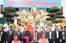 Top legislator extends Christmas greetings to Thanh Hoa's Catholics