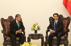 Deputy PM greets Cambodian Information Minister