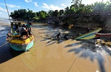 Philippines: Four killed, 11 missing in ferry capsize
