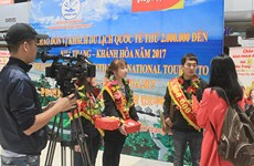 Khanh Hoa welcomes 2 millionth foreign visitor in 2017