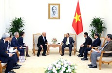 PM Nguyen Xuan Phuc welcomes Special Advisor to Japanese Cabinet