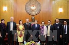 Vietnam, Russia exchange experience in social management