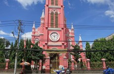 HCM City-based Tan Dinh Church becomes tourist destination