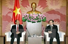 Vietnam, Laos share law-making experience