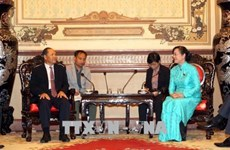 HCM City leader welcomes Lao official