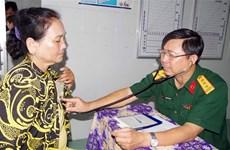 Poor people in Soc Trang get free medical checkups