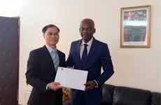 Togo wants stronger ties with Vietnam at int'l forums