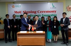 Dong A College, Japanese company sign training deal