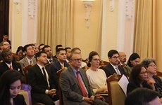 Foreign diplomats, representatives learn about Vietnam