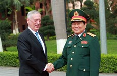 Vietnamese, US defence ministers hold talks