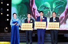 Charity programme raises over 100 billion VND for poor people