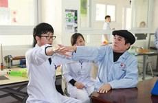 Japanese volunteer helps stroke patients