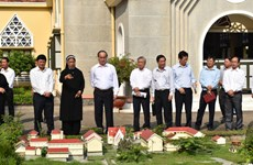 HCM City leader pays pre-Tet visit to Holy Cross Lovers