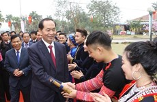 President launches spring festival in ethnic cultural village