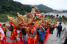 Quang Ninh: Spring festivals start National Tourism Year 2018