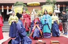 Project encourages youths to replicate royal costumes