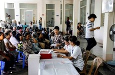More than 2,500 poor people in Quang Tri get free medical checkups