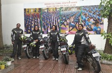 Female Indian motorcyclists arrive in Vietnam