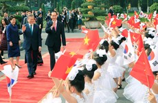 President Tran Dai Quang welcomes RoK counterpart in Hanoi