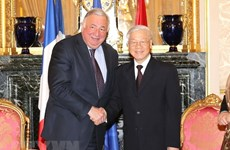 Party chief meets French Senate President