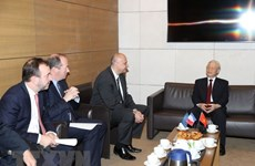 Vietnamese Party chief meets leaders of major French groups