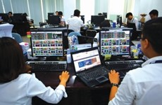 Shares end three-day rally on fears of volatility