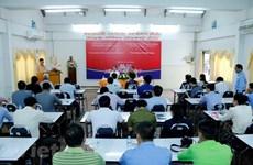 Vietnam helps Lao journalists improve skills