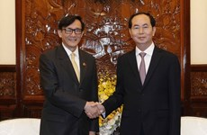 President encourages Thai businesses to expand investment
