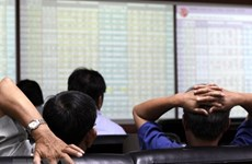VN-Index returns to 1,190 benchmark after stocks recover