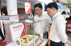 Made-in-Vietnam products dominate supermarket shelf in HCM City