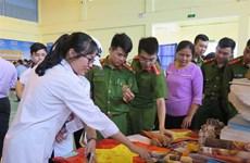 Hoang Sa, Truong Sa documents come to rural people in Hai Duong