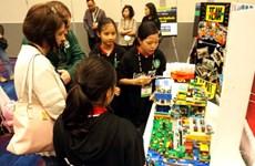 Vietnamese student teams win big at US lego event