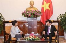 Deputy PM Pham Binh Minh greets Moroccan official